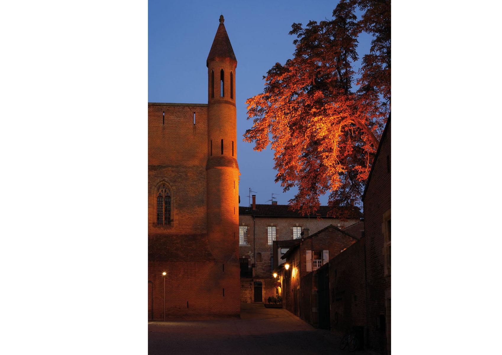 Albi-Sainte Cecile-tour laterale